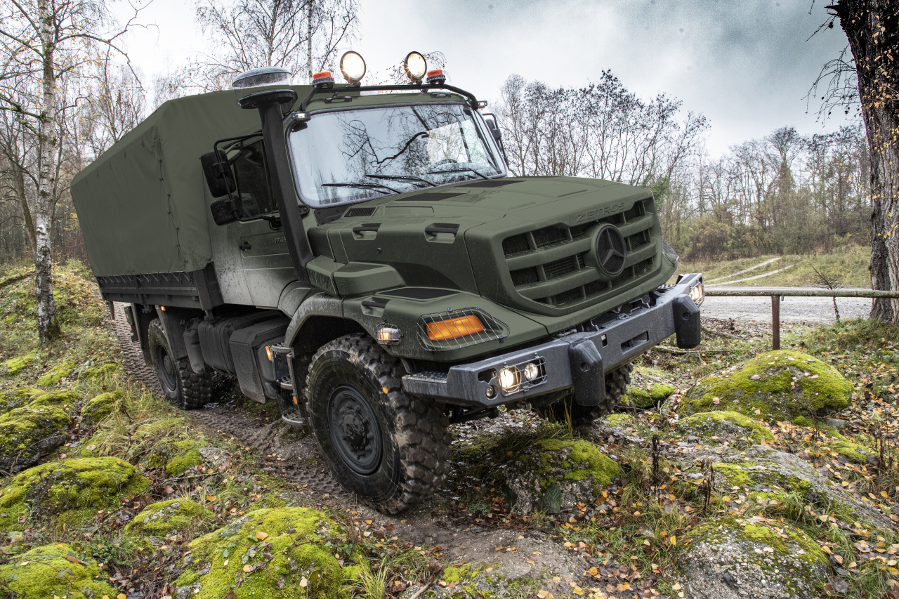 Zetros on-road and off-road mobility